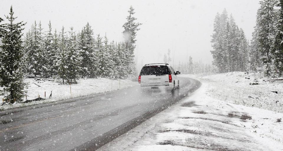 Jak dbać o samochód zimą